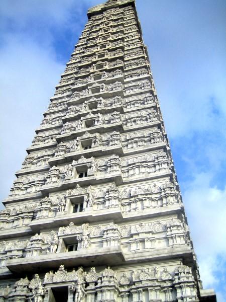 Gopuram at Murudeshwara Temple. Photographer Ishwar