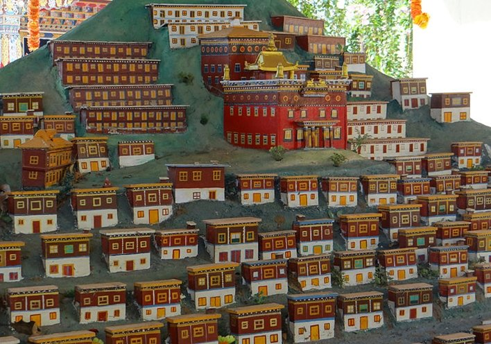 Bylakuppe, sightseeing Bylakuppe, temples Bylakuppe, Golden temple