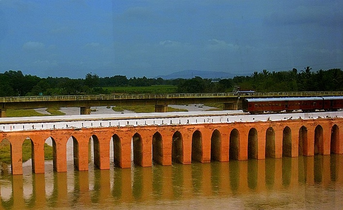 Nanjangud, Oldest railway bridge in India