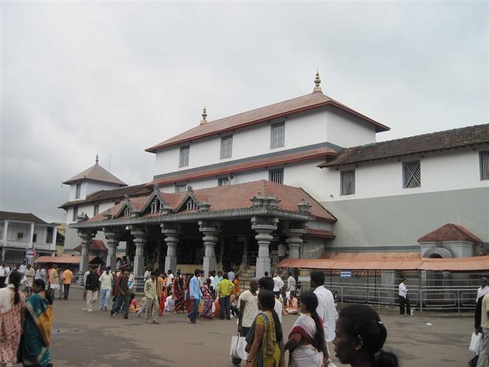 Ettina Bhuja Trek , Charmadi Ghat Trek , Dharmasthala Temple. Photographer Vedamurthy J
