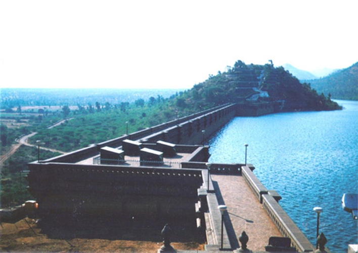 Vani Vilas Sagar Dam. Image courtesy Urdangaray