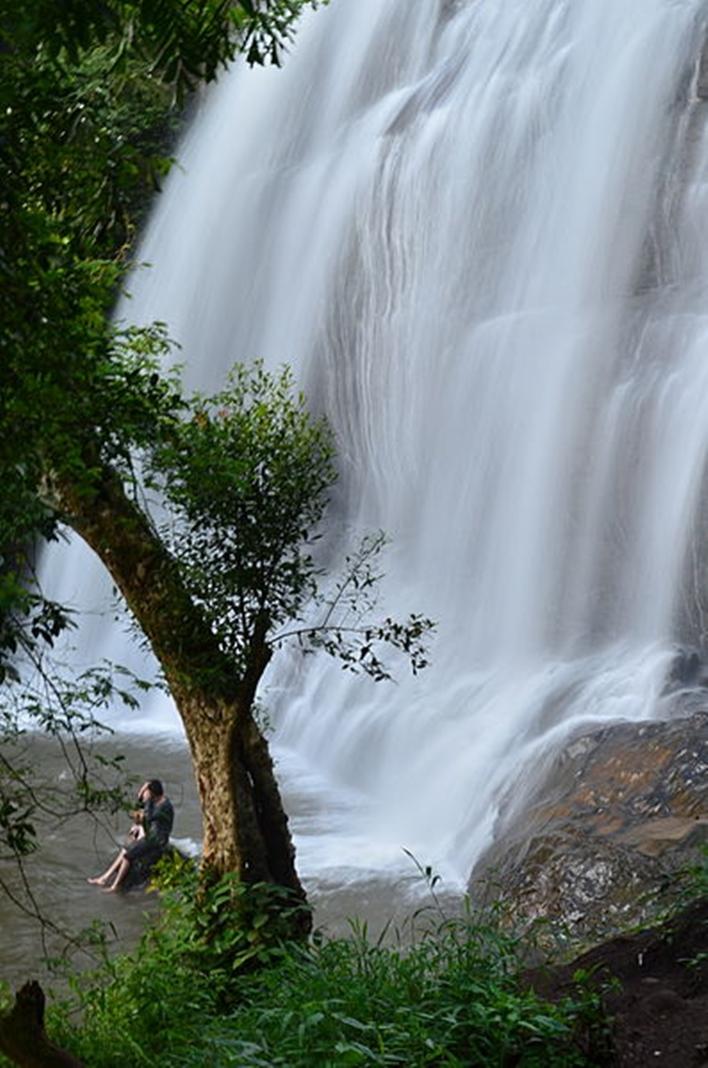 Kakkabe, Chelavara Water Falls