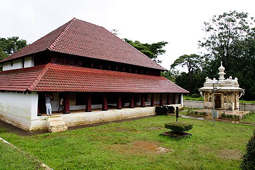 Near Coorg, Nalknad palace, Kakkabe. Image source http://travel.paintedstork.com