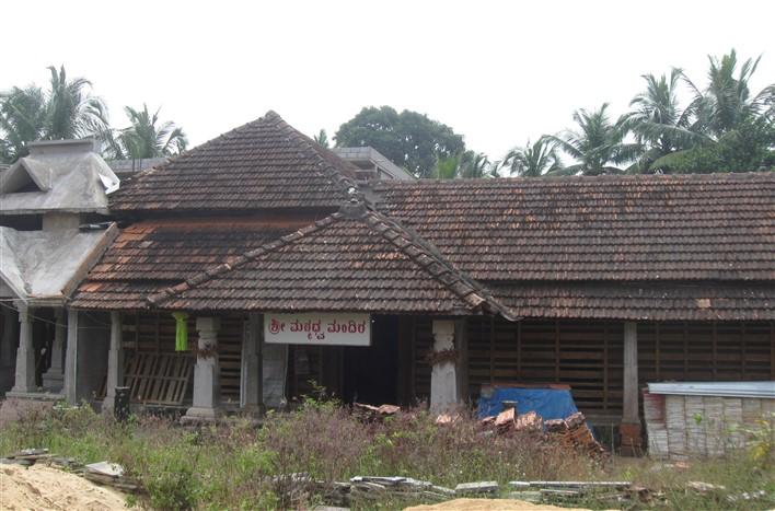 Sri Madhvacharya temple in Pajaka. Photographer Bgadicha