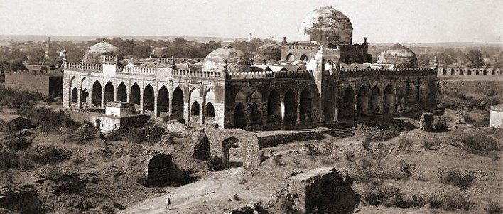 Jami Masjid in Gulbarga Fort. Photographer Deen Dayal