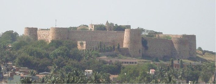 Saundatti Fort. Photographer Manjunath Doddamani Gajendragad