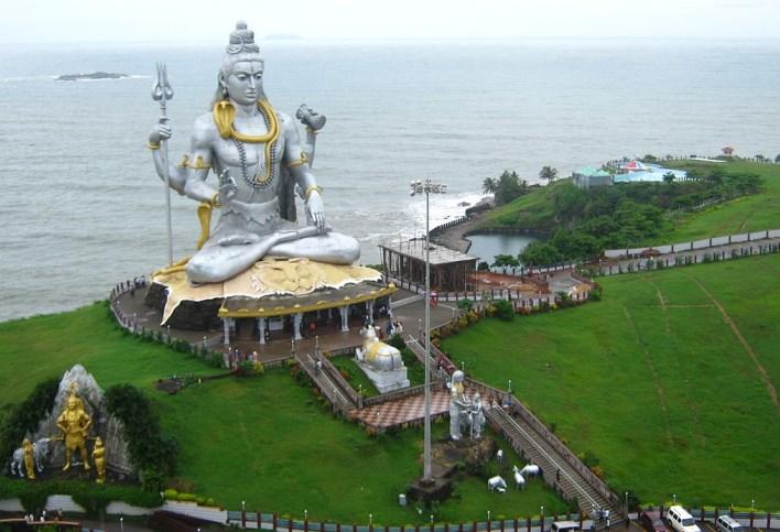 murudeshwara shiva statue. Image source Wiki