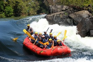 Karnataka Tourism, White water rafting in Dandeli. Image source bangaloretrekkingclub.com