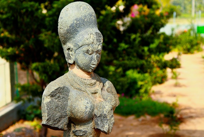 Bust of krishnadevaraya's queen at Archaeological Museum, Kamalapur, Hampi.  Image Credits @ vkiran_2000