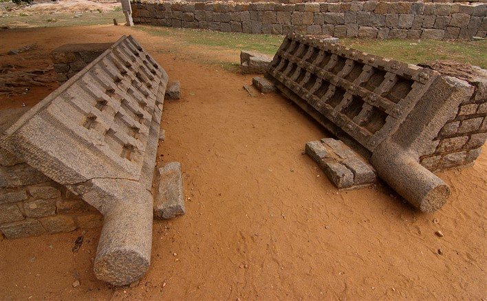 Dasara Dibba, Stone doors in Hampi. Photographer Shriram Swaminathan