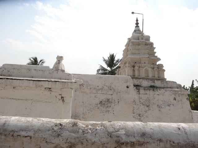 Uddana Veerabhadra Temple in Hampi