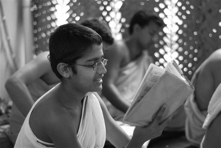 Students reciting vedas in Sanskrit. Photographer Pradeep Kumbhashi
