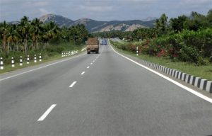 NH 4 highway in Karnataka. Photographer Balaji B